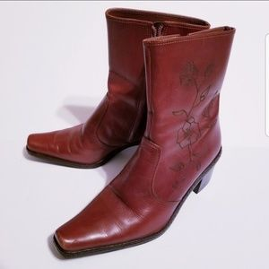 Gianni Bini Floral Etched Brown Boots